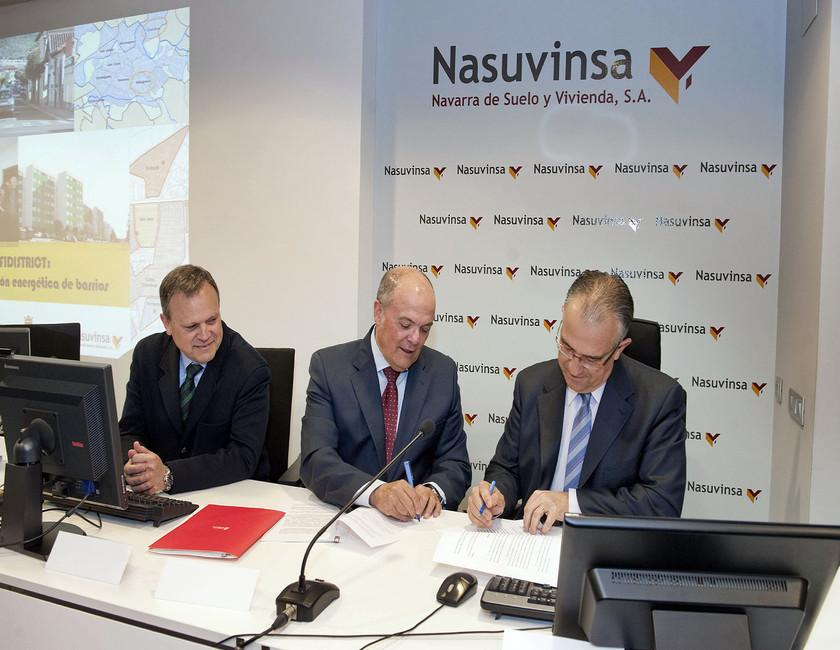 The Government and the Local Council of Pamplona shall collaborate together in order to establish an integral district energy regeneration model